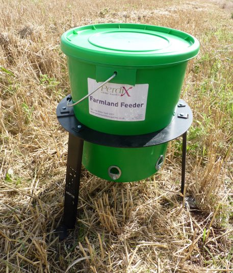 PERDIX Farmland Feeder with 6 feed ports mounted in stand