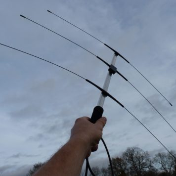 PERDIX hand-held 3 element yagi antenna for tracking wildlife