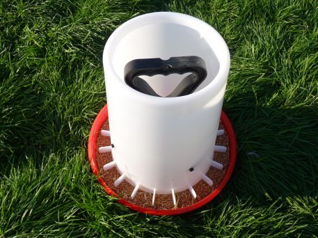 12kg Ulitimate handy feeder for game birds and poultry