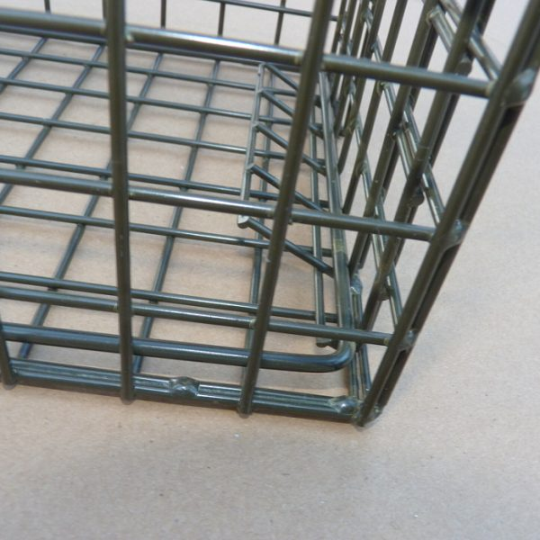 Door Locking Bar on PERDIX Squirrel Cage Trap