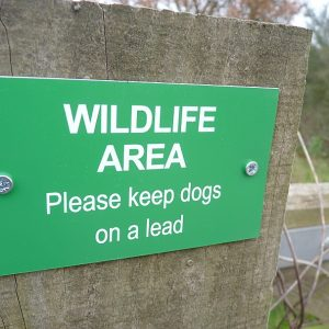 Wildlife Area - Please keep dogs on a lead sign
