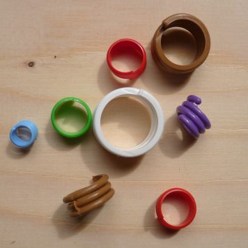 Plastic spiral bird leg rings for chickens, ducks and game birds