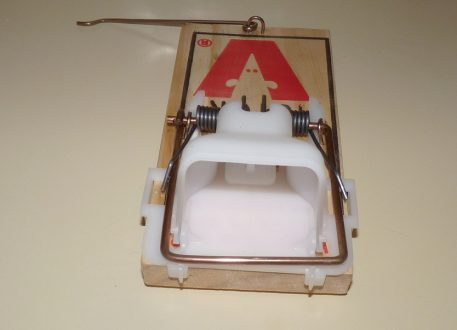 Victor Easy Set Rat Trap fitted with modifications.